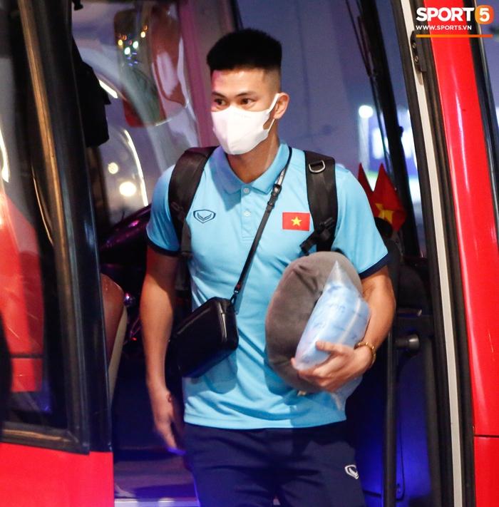 ĐT Việt Nam lên đường lúc nửa đêm, sẵn sàng tranh vé dự Futsal World Cup - Ảnh 12.