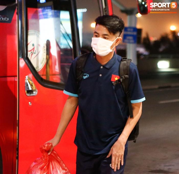 ĐT Việt Nam lên đường lúc nửa đêm, sẵn sàng tranh vé dự Futsal World Cup - Ảnh 13.
