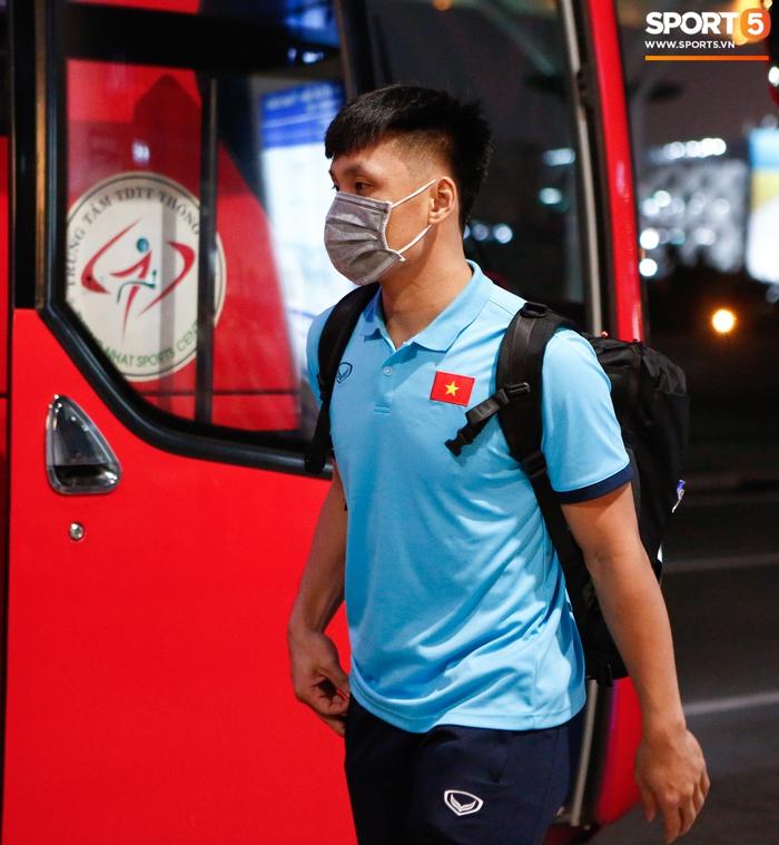 ĐT Việt Nam lên đường lúc nửa đêm, sẵn sàng tranh vé dự Futsal World Cup - Ảnh 10.