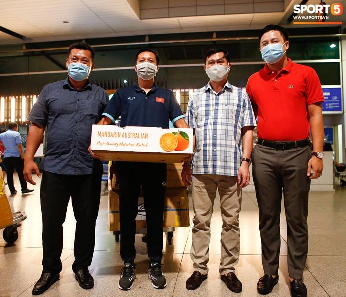 ĐT Việt Nam lên đường lúc nửa đêm, sẵn sàng tranh vé dự Futsal World Cup - Ảnh 5.