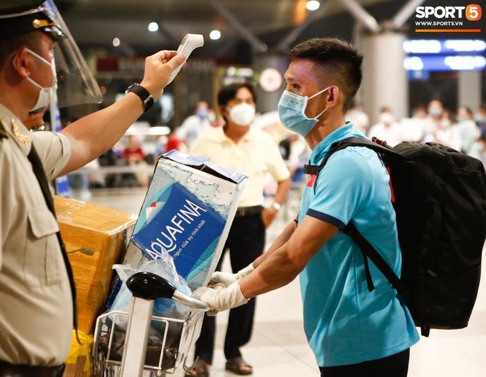 ĐT Việt Nam lên đường lúc nửa đêm, sẵn sàng tranh vé dự Futsal World Cup - Ảnh 17.