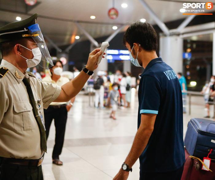 ĐT Việt Nam lên đường lúc nửa đêm, sẵn sàng tranh vé dự Futsal World Cup - Ảnh 19.