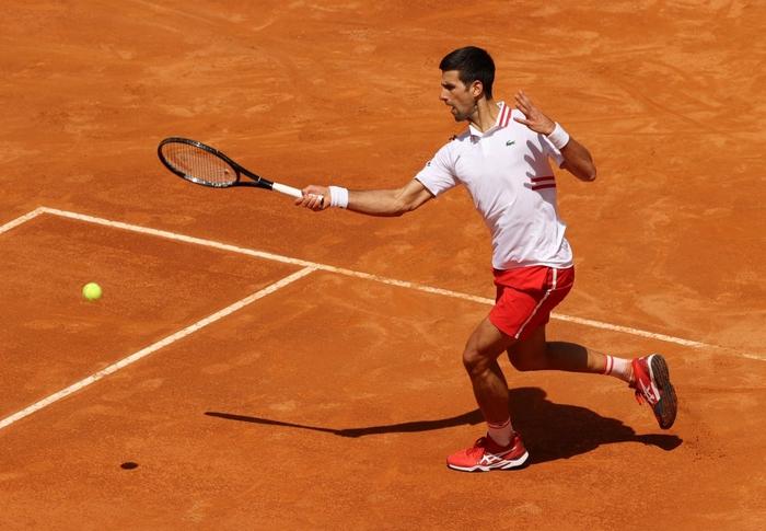 Djokovic thắng liên tiếp hai trận trong ít giờ để đấu Nadal tại chung kết Rome Masters - Ảnh 2.