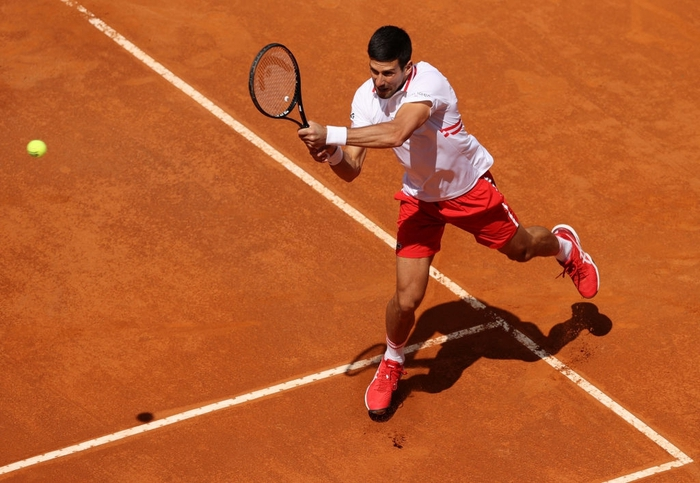 Djokovic thắng liên tiếp hai trận trong ít giờ để đấu Nadal tại chung kết Rome Masters - Ảnh 3.