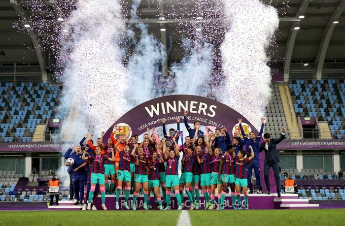 Trong ngày Messi và đồng đội gây thất vọng tràn trề, hội chị em lại giúp Barcelona liên tiếp gặt hái vinh quang - Ảnh 4.