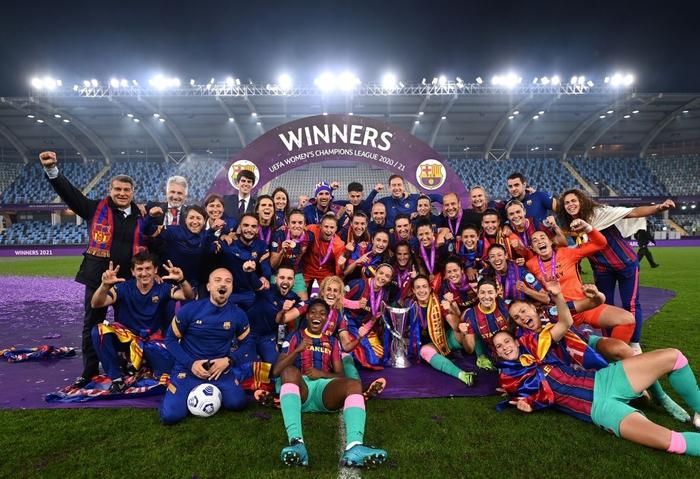 Trong ngày Messi và đồng đội gây thất vọng tràn trề, hội chị em lại giúp Barcelona liên tiếp gặt hái vinh quang - Ảnh 8.