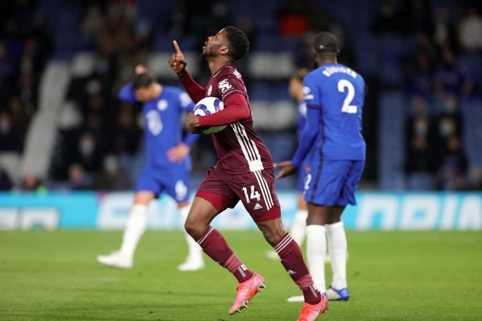 Đêm qua, Ngoại hạng Anh xuất hiện một kỷ lục khá dị - Ảnh 1.