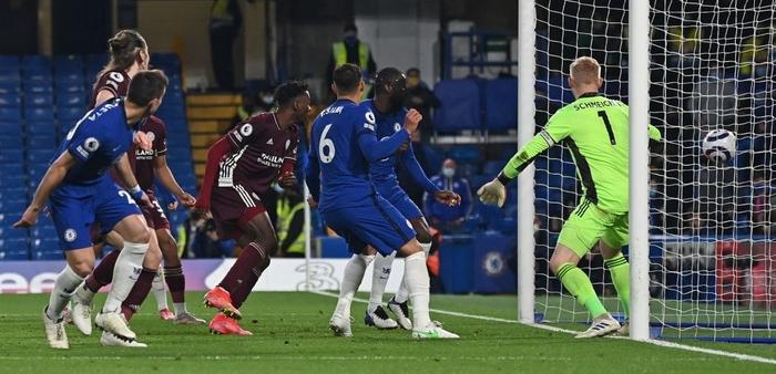 Đêm qua, Ngoại hạng Anh xuất hiện một kỷ lục khá dị - Ảnh 4.