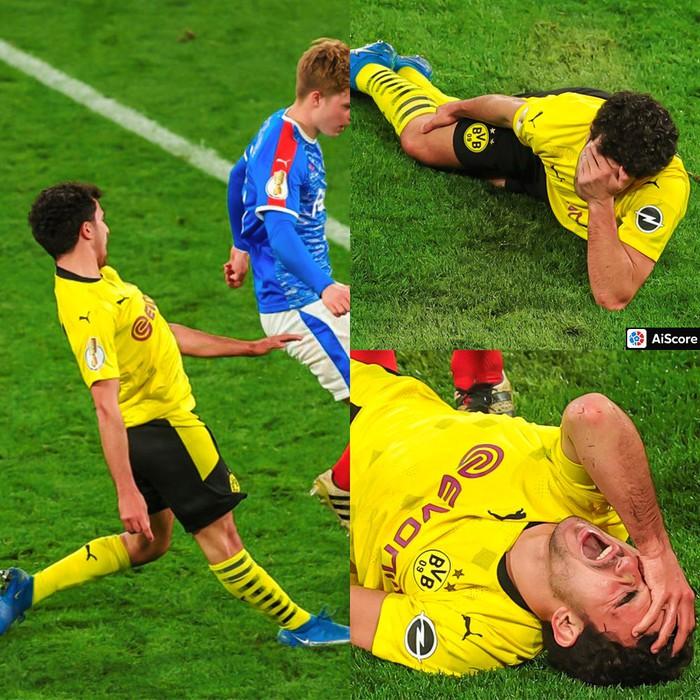 Chấn thương kinh hoàng của sao trẻ Dortmund: Gãy gập đầu gối, có nguy cơ giải nghệ sớm ở tuổi 21 - Ảnh 1.