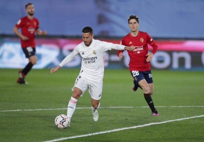Giành trọn 3 điểm trước Osasuna, Real Madrid vẫn nuôi hi vọng bảo vệ ngôi vương - Ảnh 1.