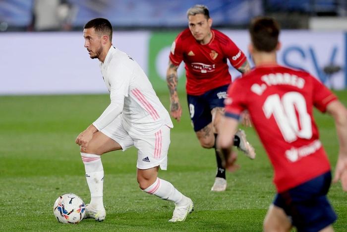 Giành trọn 3 điểm trước Osasuna, Real Madrid vẫn nuôi hi vọng bảo vệ ngôi vương - Ảnh 2.