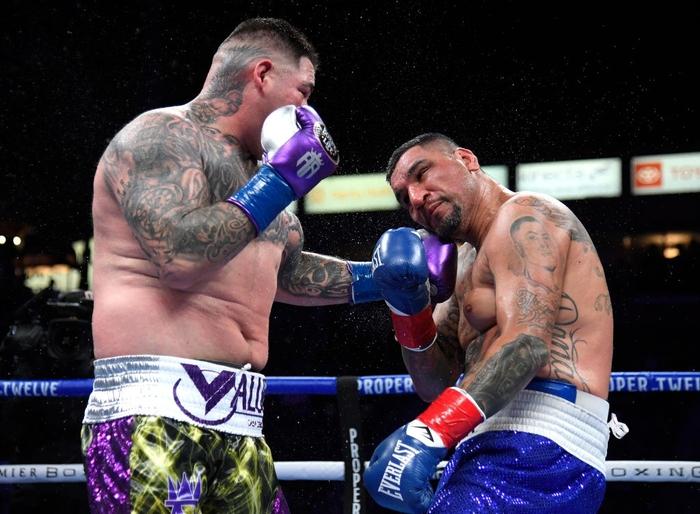 Hậu giảm cân, nhà cựu vô địch boxing thế giới Andy Ruiz Jr chật vật vượt qua lão tướng Chris Arreola - Ảnh 8.