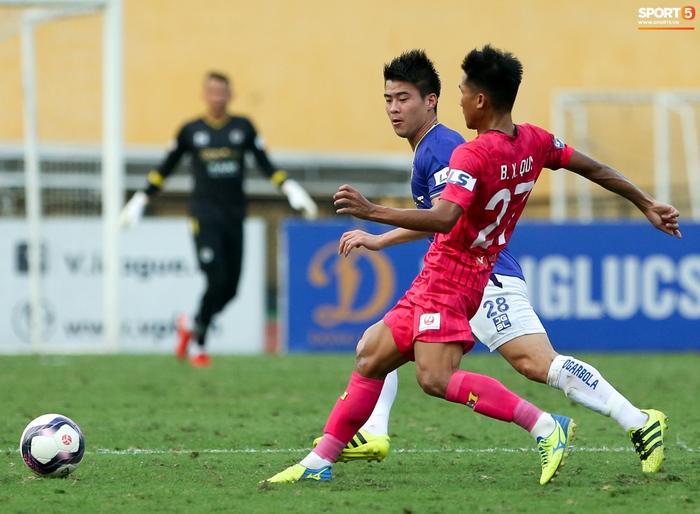 """Duy Mạnh đau đớn rời sân, HLV Hà Nội FC hứa """"chăm sóc đặc biệt"""" vì tuyển Việt Nam - Ảnh 6."""