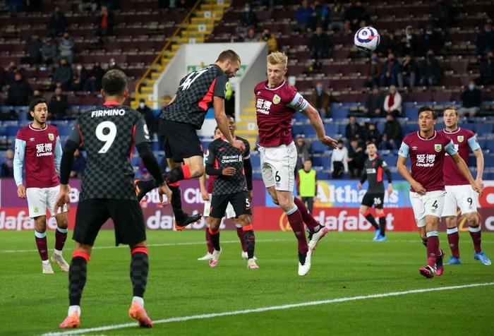 Thêm một người hùng không ngờ tới giúp Liverpool vượt ải Burnley, chính thức vào top 4 Ngoại hạng Anh - Ảnh 4.