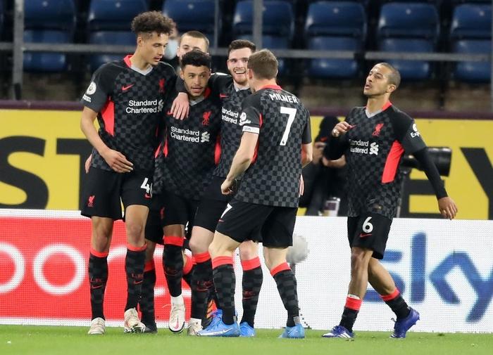 Thêm một người hùng không ngờ tới giúp Liverpool vượt ải Burnley, chính thức vào top 4 Ngoại hạng Anh - Ảnh 6.