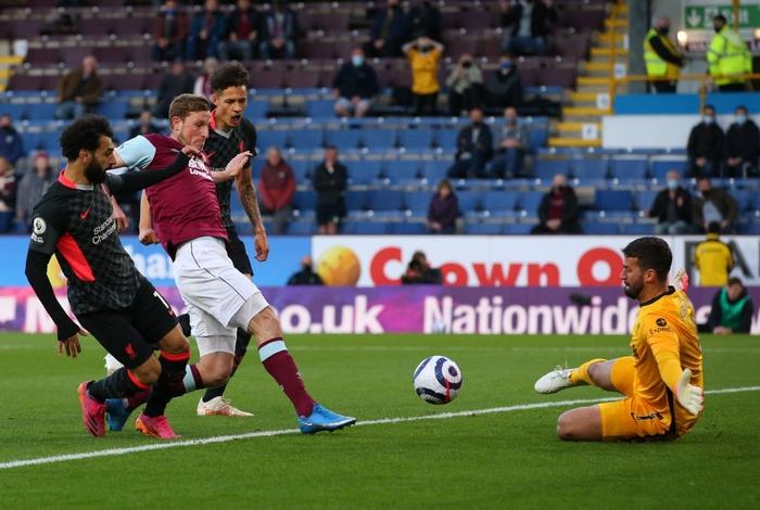Thêm một người hùng không ngờ tới giúp Liverpool vượt ải Burnley, chính thức vào top 4 Ngoại hạng Anh - Ảnh 1.
