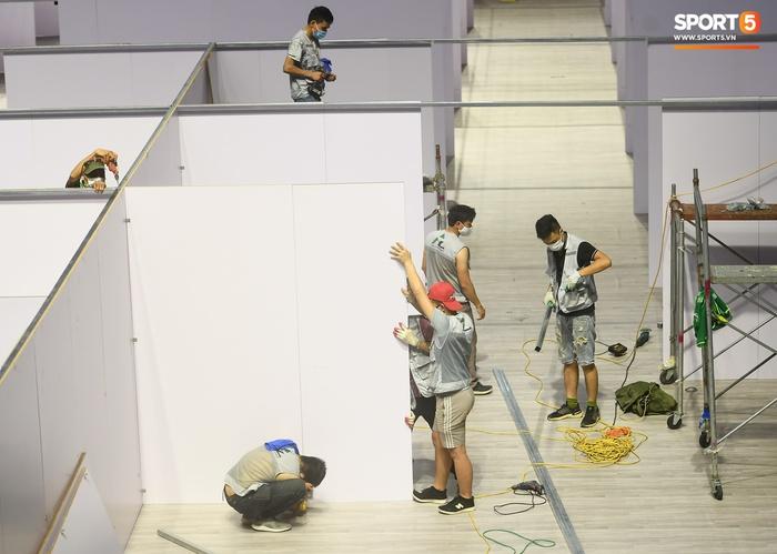 Chạy đua thời gian xây dựng bệnh viện dã chiến trong nhà thi đấu SEA Games của tỉnh Bắc Giang - Ảnh 6.