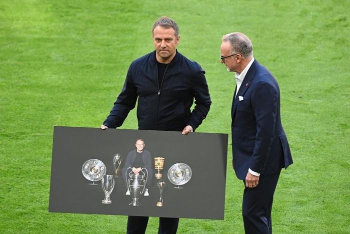 Bayern tri ân thuyền trưởng và 3 công thần trong ngày cuối cùng của mùa giải - Ảnh 2.
