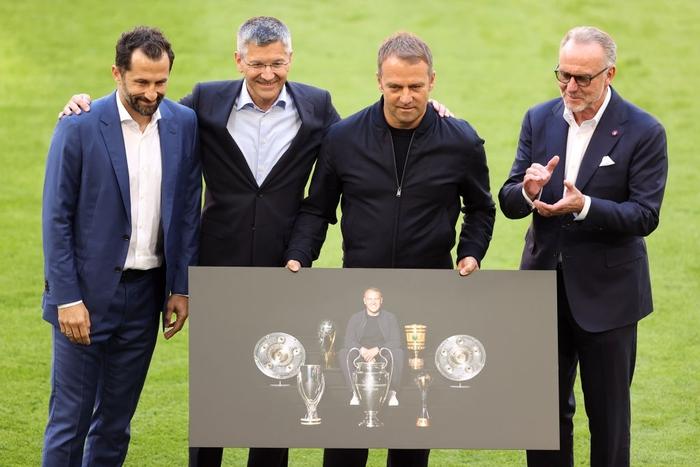 Bayern tri ân thuyền trưởng và 3 công thần trong ngày cuối cùng của mùa giải - Ảnh 3.