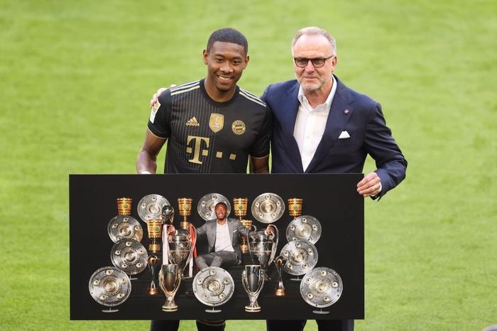 Bayern tri ân thuyền trưởng và 3 công thần trong ngày cuối cùng của mùa giải - Ảnh 6.