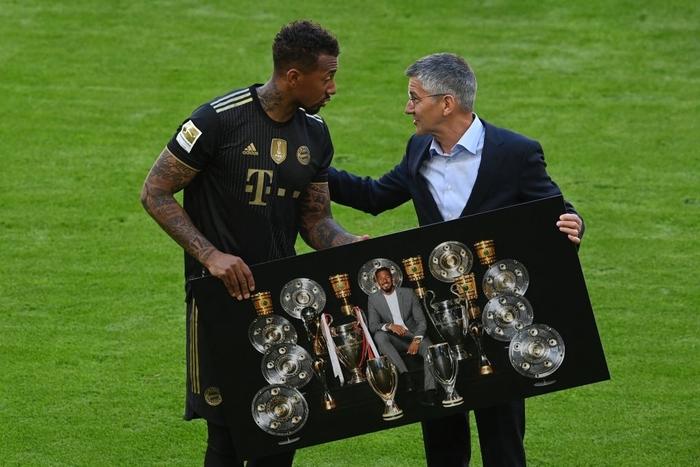 Bayern tri ân thuyền trưởng và 3 công thần trong ngày cuối cùng của mùa giải - Ảnh 5.