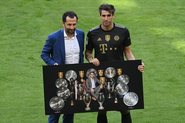 Bayern tri ân thuyền trưởng và 3 công thần trong ngày cuối cùng của mùa giải - Ảnh 7.