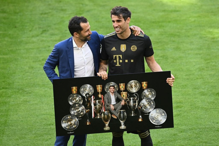 Bayern tri ân thuyền trưởng và 3 công thần trong ngày cuối cùng của mùa giải - Ảnh 8.