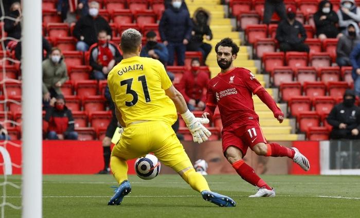 Vượt qua nỗi sợ hãi, Liverpool tự đoạt vé dự Champions League mùa tới - Ảnh 3.