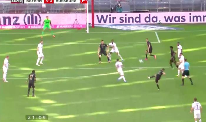 """Bayern thắng đậm trong ngày nâng đĩa bạc và Lewandowski phá kỷ lục của """"Máy dội bom"""" Gerd Mueller - Ảnh 5."""