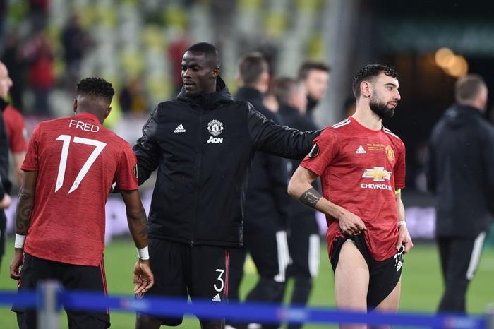 Bruno Fernandes bật khóc khi MU thua loạt luân lưu nghẹt thở ở chung kết Europa League - Ảnh 7.