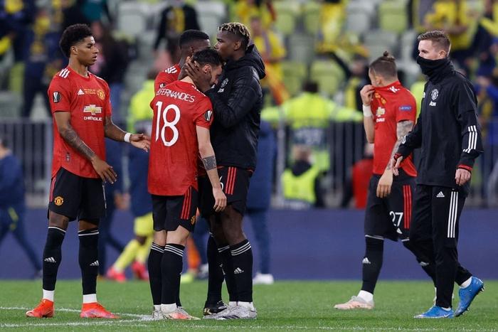 Bruno Fernandes bật khóc khi MU thua loạt luân lưu nghẹt thở ở chung kết Europa League - Ảnh 5.