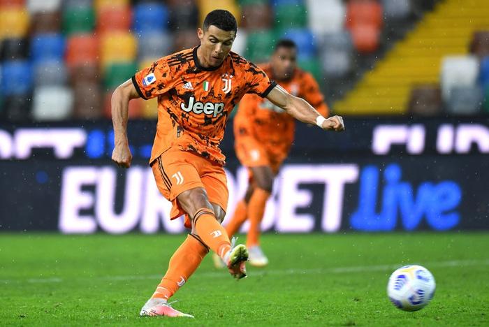 Ronaldo lập cú đúp trong 7 phút, Juventus lội ngược dòng để trở lại top 4 - ảnh 6