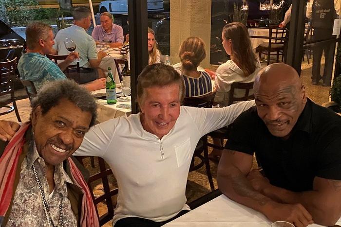 """""""Tay đấm thép"""" Mike Tyson nhận được lời mời tranh đai thế giới từ đối thủ trẻ hơn 23 tuổi - Ảnh 2."""