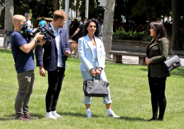 Bận rộn diễn xuất cho tập phim Netflix, bạn gái Georgina vẫn bất ngờ tiết lộ tương lai của Ronaldo - Ảnh 1.