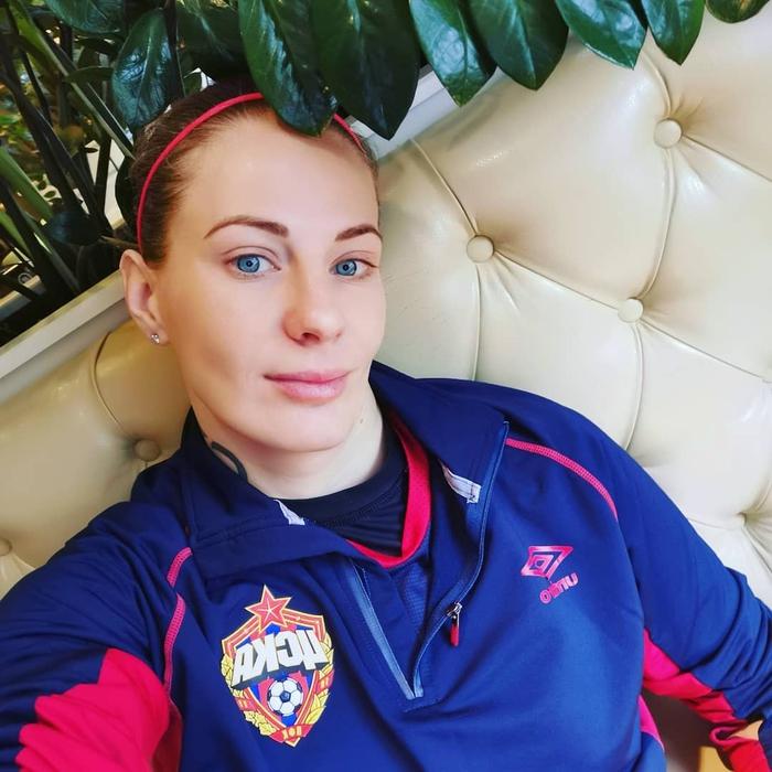 """Nữ tuyển thủ Nga tiết lộ: """"Cầu thủ nữ dễ làm 'chuyện ấy' trước trận hơn đồng nghiệp nam"""" - Ảnh 1."""
