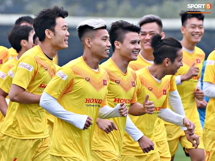 """Đội tuyển Việt Nam """"quay xe"""", thay đổi kế hoạch chuẩn bị cho vòng loại World Cup vì dịch Covid-19   - Ảnh 1."""