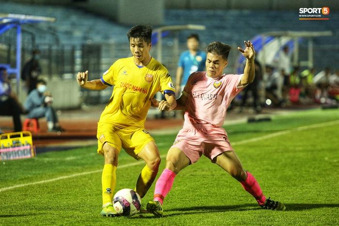 Cầu thủ từng bị PVF thải loại được triệu tập lên ĐT Việt Nam - Ảnh 1.