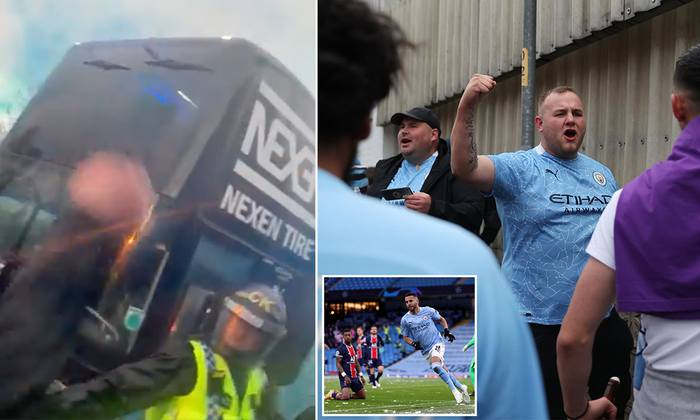 """Cầu thủ Man City ăn mừng """"điên dại"""" trong phòng thay đồ, fan đổ ra đường ăn mừng, nhiều người không đeo khẩu trang - Ảnh 7."""