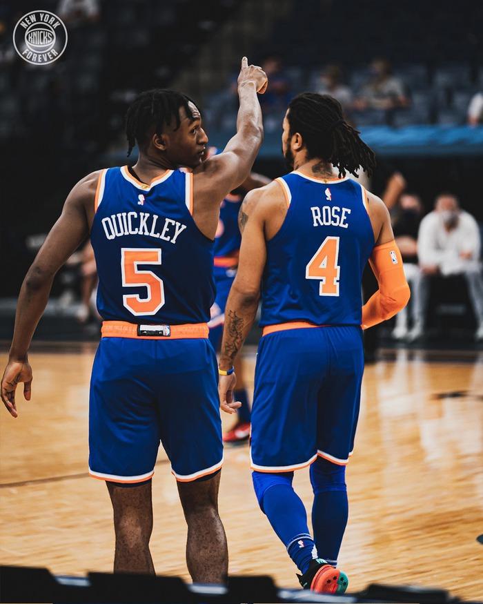"""Úp rổ 4 lần chỉ trong ít phút, """"chàng béo"""" Nikola Jokic cho """"ngựa ô"""" New York Knicks hít khói từ hiệp đấu đầu tiên - Ảnh 4."""