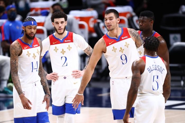 Zion Williamson nghỉ đấu vô thời hạn: New Orleans Pelicans trách trọng tài NBA vì chấn thương - Ảnh 4.