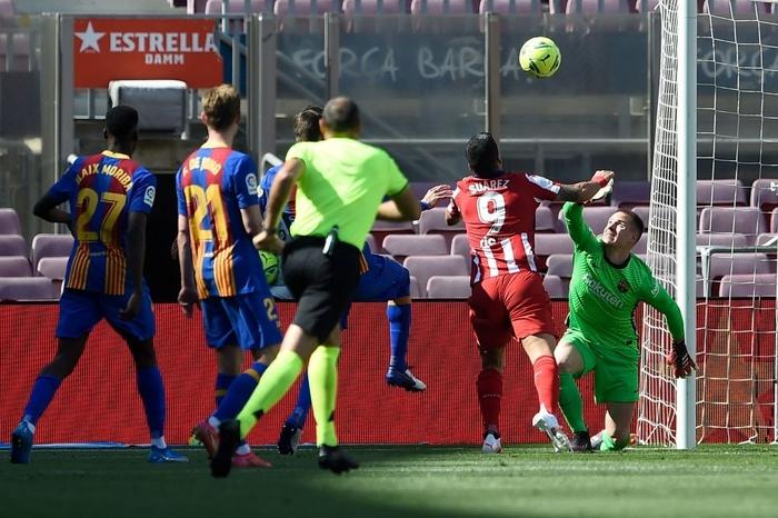 Barcelona và Atletico cầm chân nhau, Real Madrid được trao quyền tự quyết trong cuộc đua vô địch La Liga - Ảnh 2.