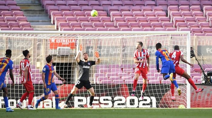 Barcelona và Atletico cầm chân nhau, Real Madrid được trao quyền tự quyết trong cuộc đua vô địch La Liga - Ảnh 7.
