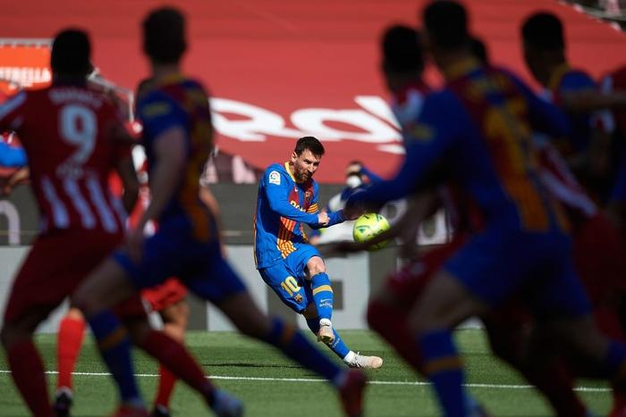 Barcelona và Atletico cầm chân nhau, Real Madrid được trao quyền tự quyết trong cuộc đua vô địch La Liga - Ảnh 5.