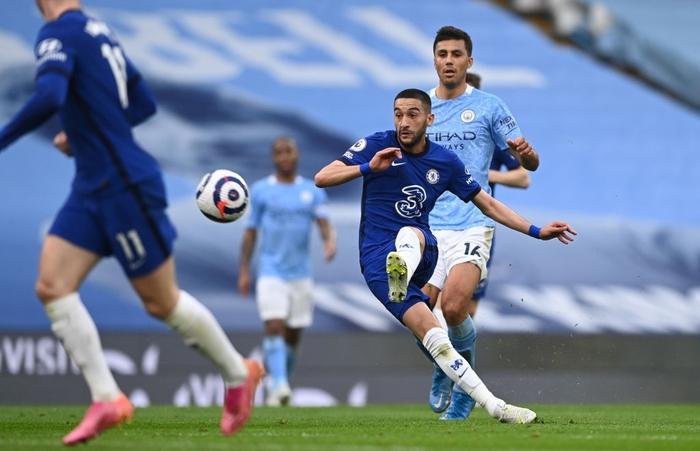 Aguero đá hỏng phạt đền, Man City thua ngược Chelsea - Ảnh 1.