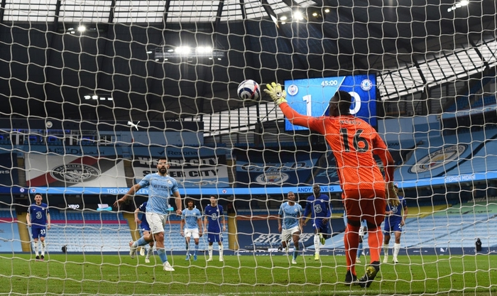 Aguero đá hỏng phạt đền, Man City thua ngược Chelsea - Ảnh 5.
