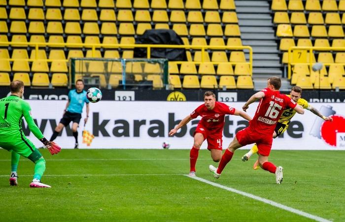 """Đánh bại Leipzig 3-2, Borussia Dortmund giúp Bayern Munich """"đóng hòm"""" Bundesliga - Ảnh 2."""