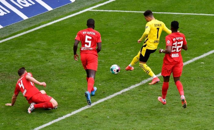 """Đánh bại Leipzig 3-2, Borussia Dortmund giúp Bayern Munich """"đóng hòm"""" Bundesliga - Ảnh 7."""