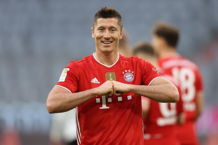 """Bayern """"hủy diệt"""" đối thủ khó chơi 6-0 mừng chức vô địch Bundesliga - Ảnh 1."""