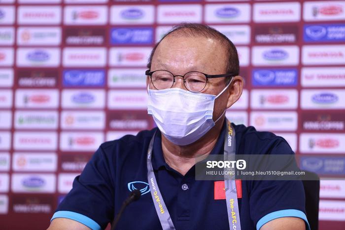 """HLV Park Hang-seo: """"Tôi muốn cầu thủ tuyển Việt Nam thi đấu lạnh lùng"""" - Ảnh 1."""