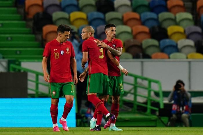 Ronaldo nổ súng trở lại, Bồ Đào Nha thắng dễ trong trận giao hữu cuối cùng - Ảnh 6.